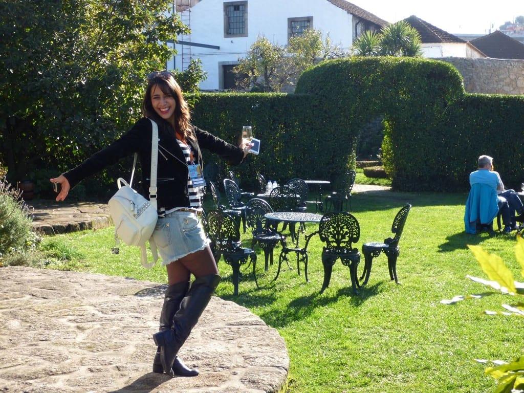Mais uma foto linda da Cris, nas Caves de Vinho do Porto Taylor's!