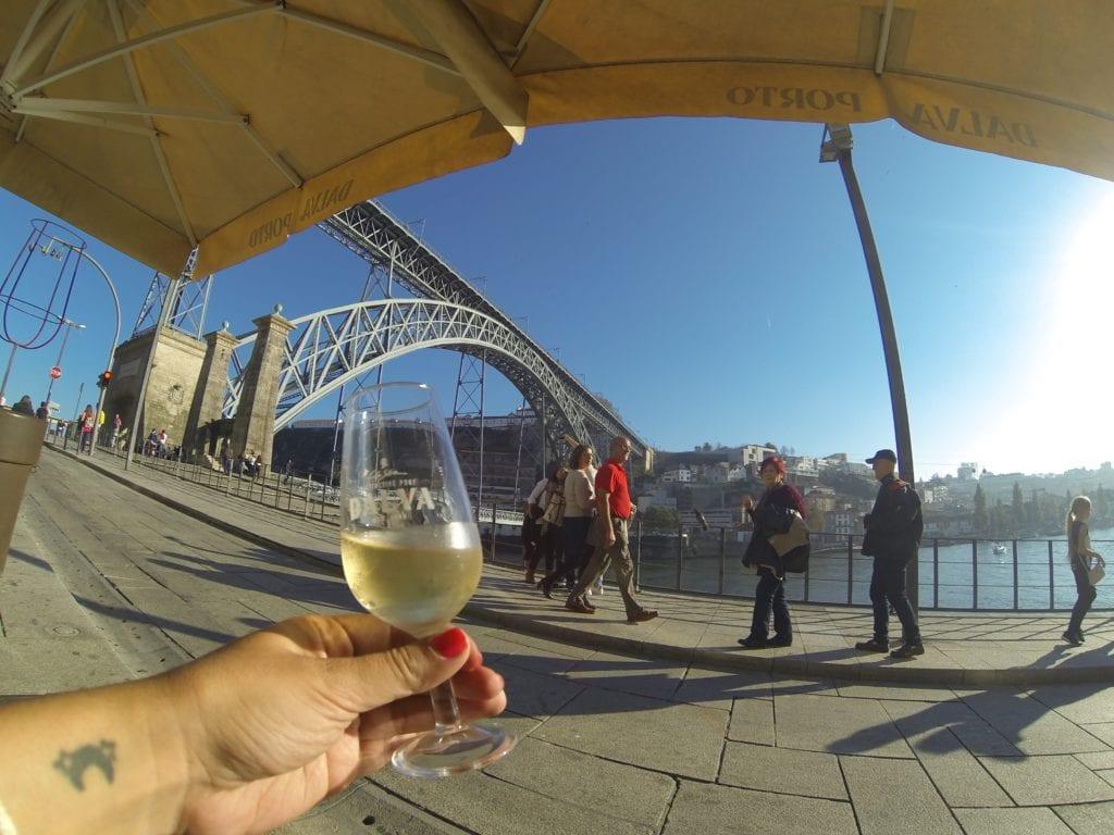 Vinho do Porto no Fish Fixe, restaurante delícia na Ribeira!