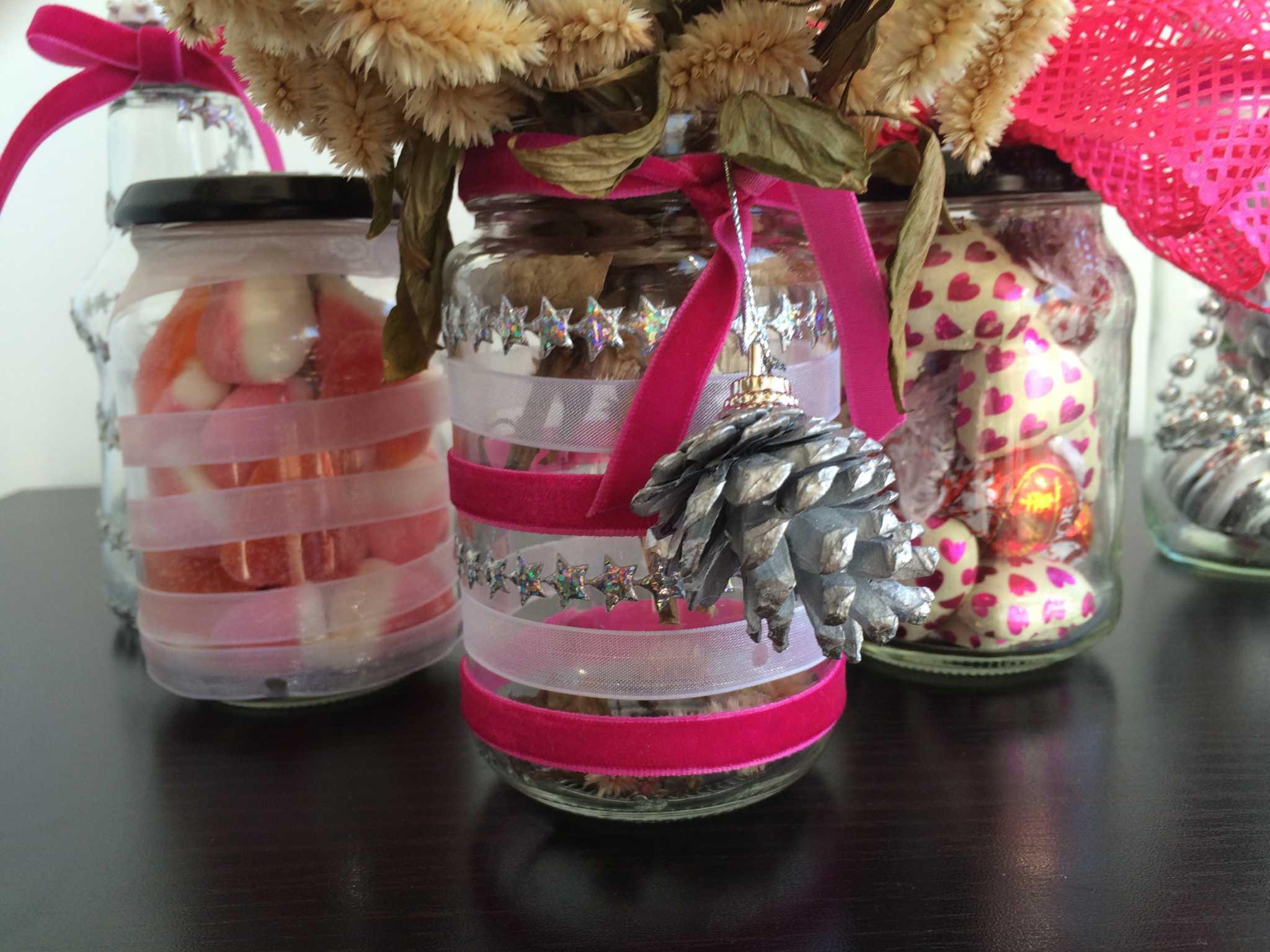 #B01B40 Potes com guloseimas para o Natal: #GordinhaSafada adoooooora! rs 1566 Vidros Decorados Para Janelas