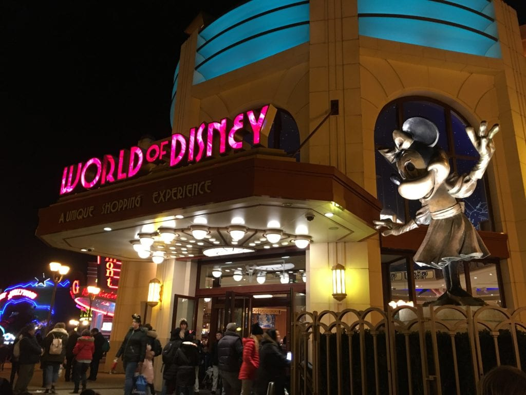 World of Disney, a maior loja do Disney Village Paris!