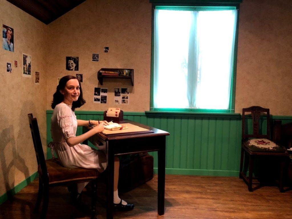 Anne Frank no Madame Tussauds Amsterdam