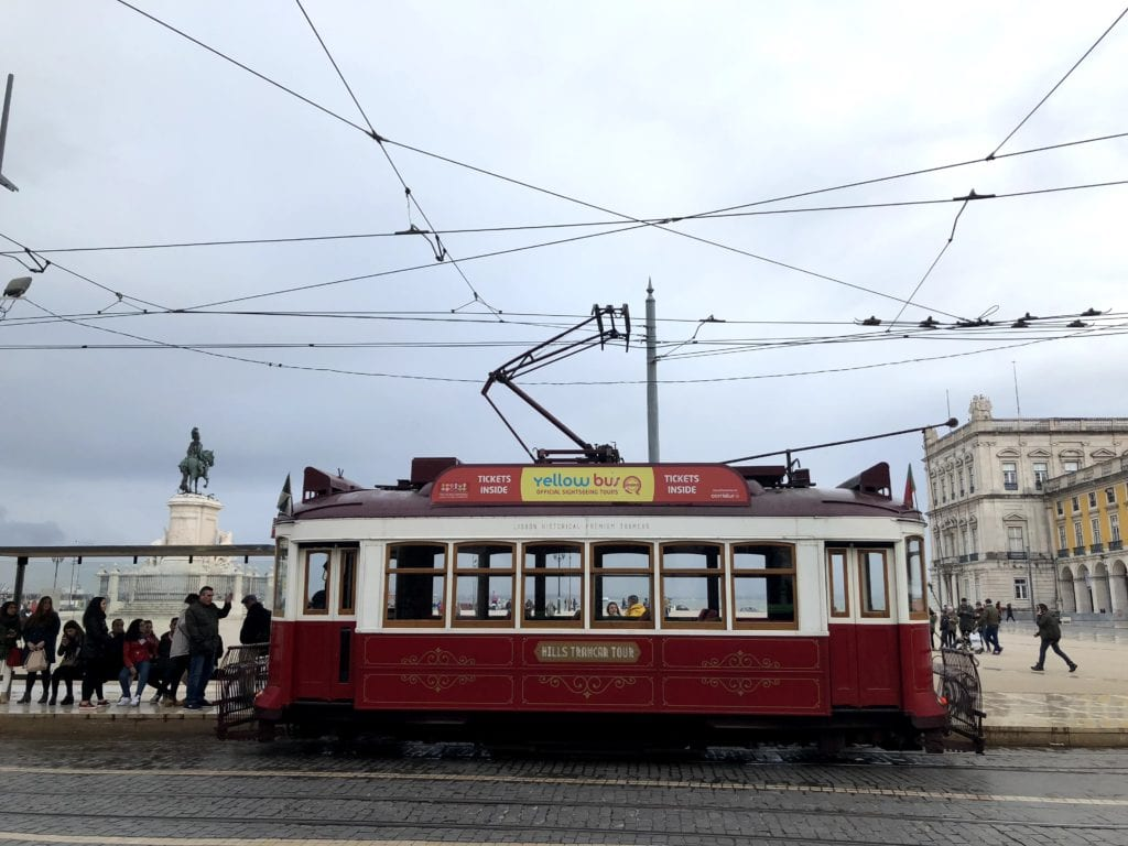 Chuva em Lisboa: Elétrico 28