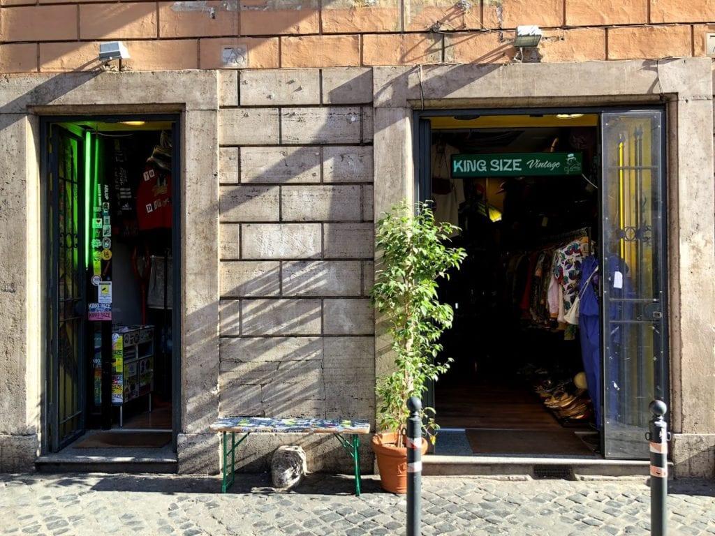 Compras em Roma, Itália