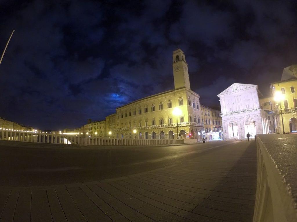 O que fazer em Pisa, Itália, à noite