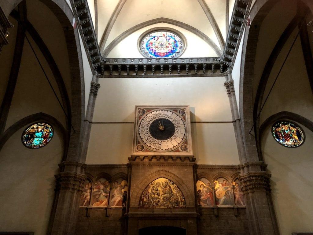 Dentro do Duomo de Florença, Itália