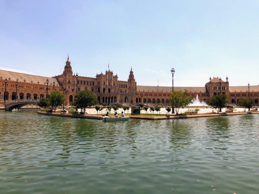 Roteiro de Sevilha em 1 dia: Plaza de Espanha
