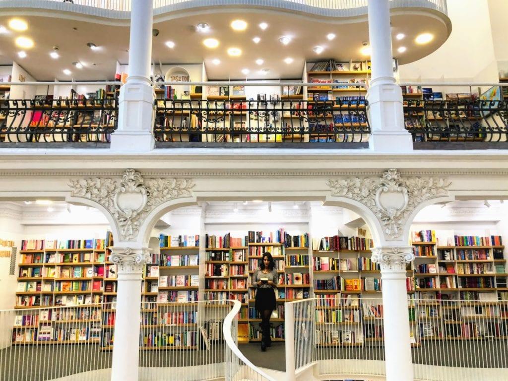 Livraria carrossel de Luz, Bucareste, Romênia