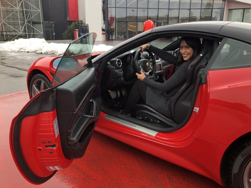 Como dirigir uma Ferrari