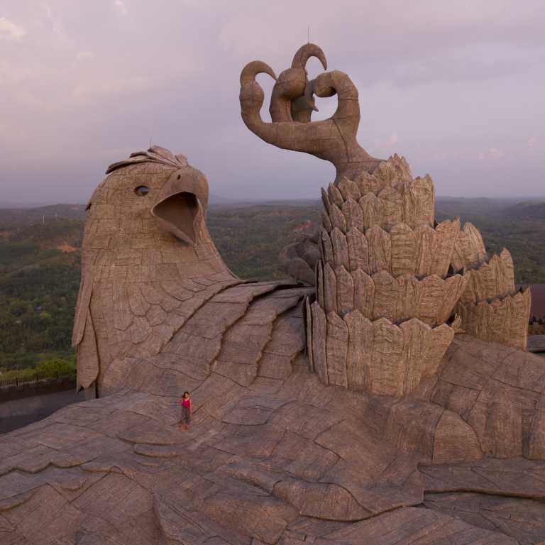 Maior estátua de águia do mundo!