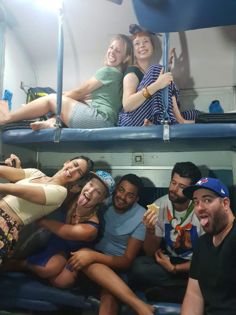 Terceira classe do trem na Índia