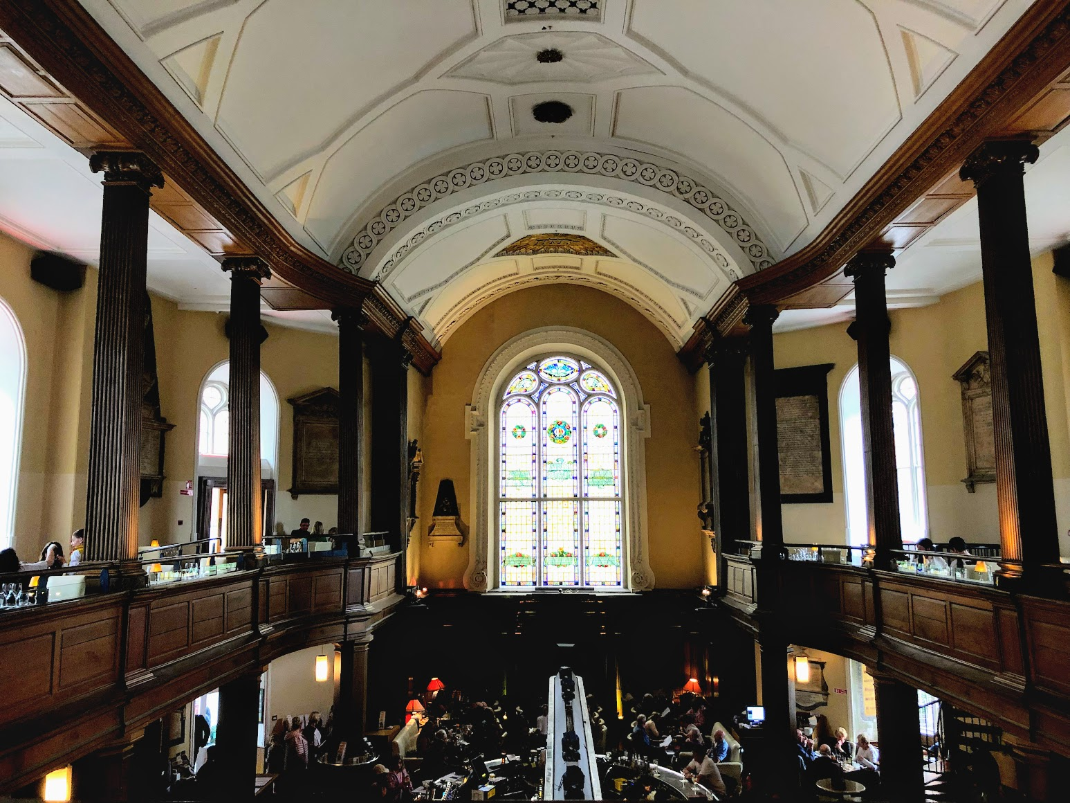 Pubs em Dublin: The Church Pub