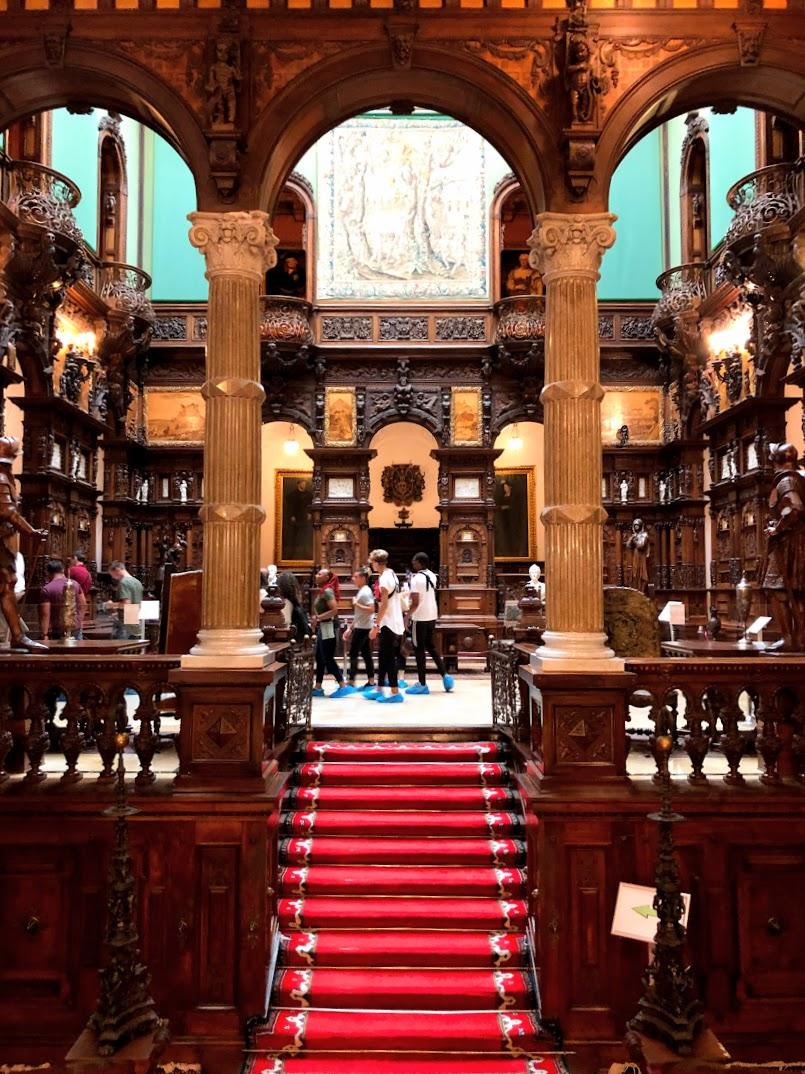 Castelo de Peles por dentro