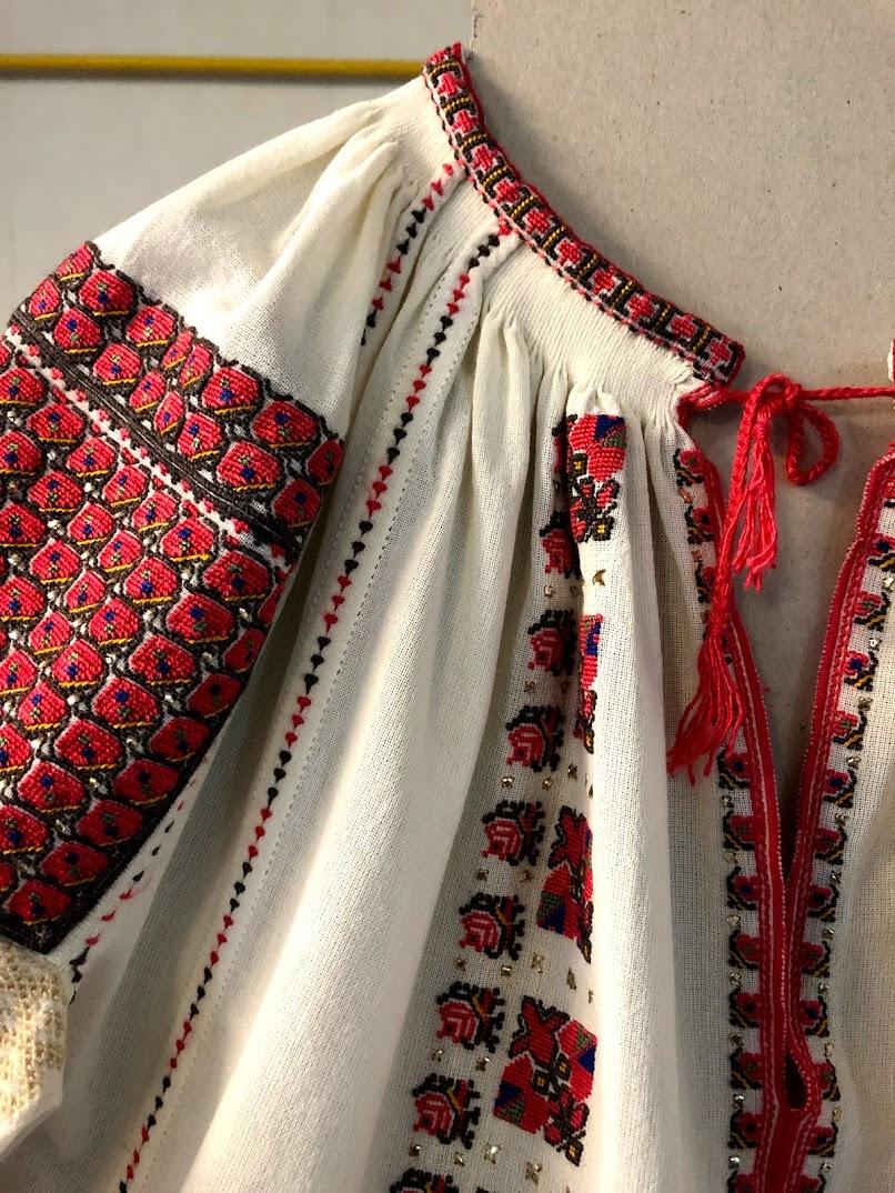Roupa tradicional da Romênia