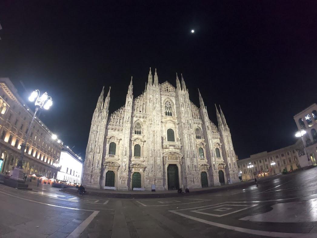 Duomo de Milão Vazio