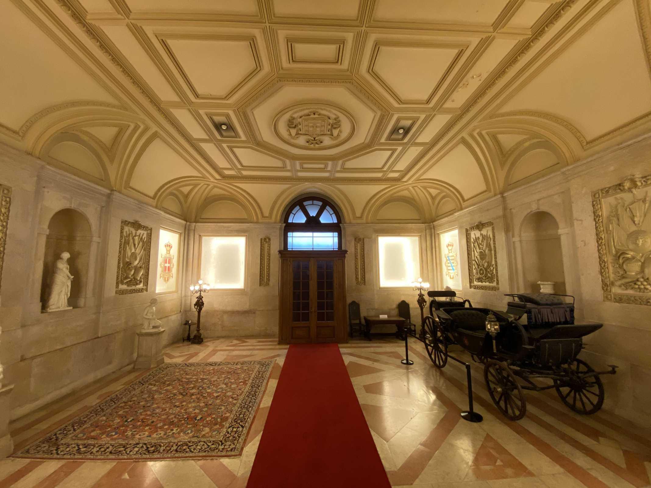 palacio lisboa portugal