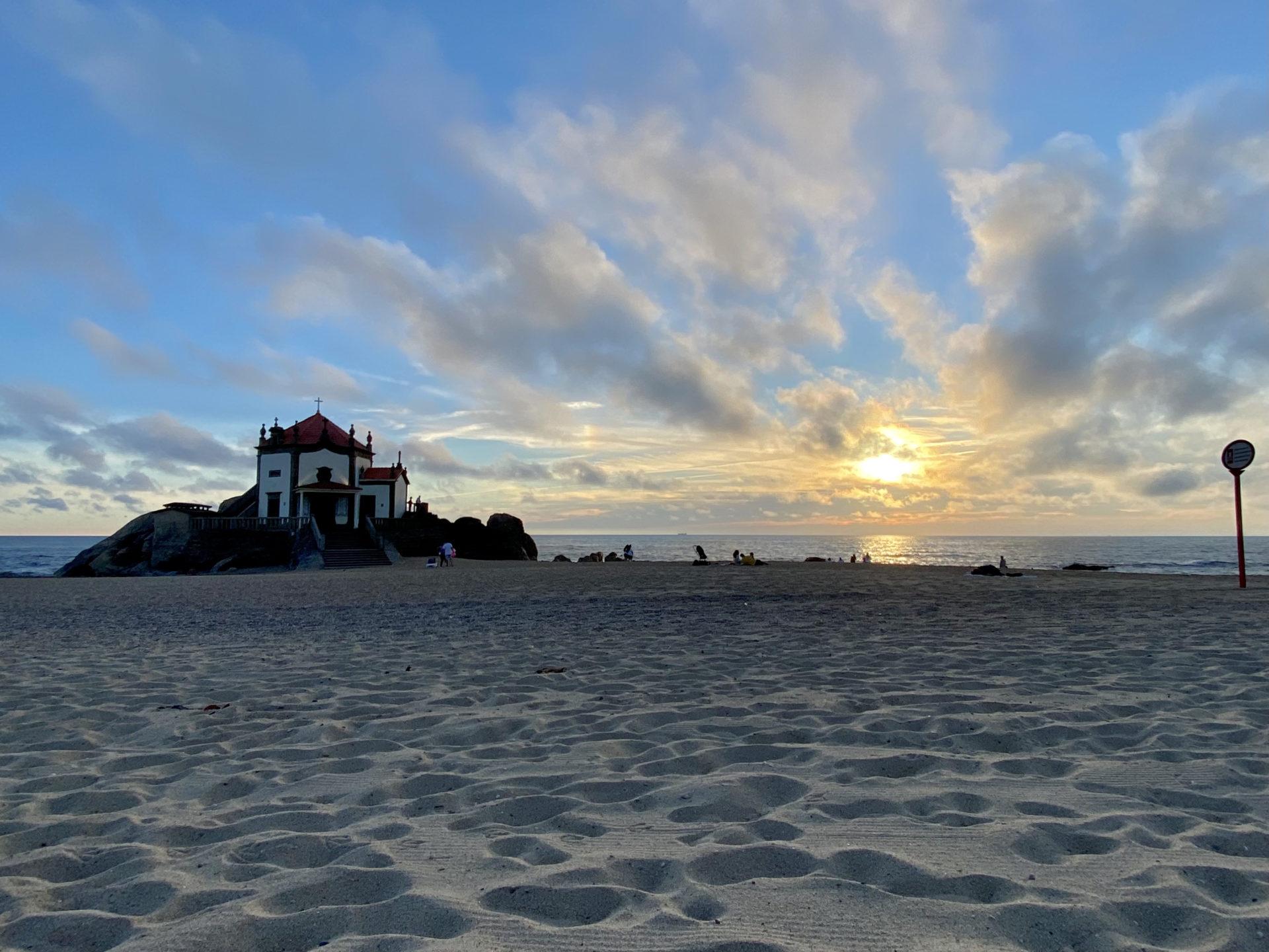 igreja beira mar portugal